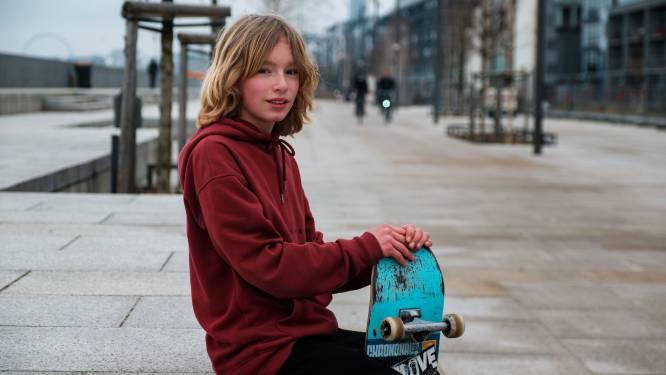 """IJzeren haken op trappen en boorden aan Scheldekaaien moeten skaters ontmoedigen: """"Gaan ze die gasten dit nu ook al afpakken?"""""""