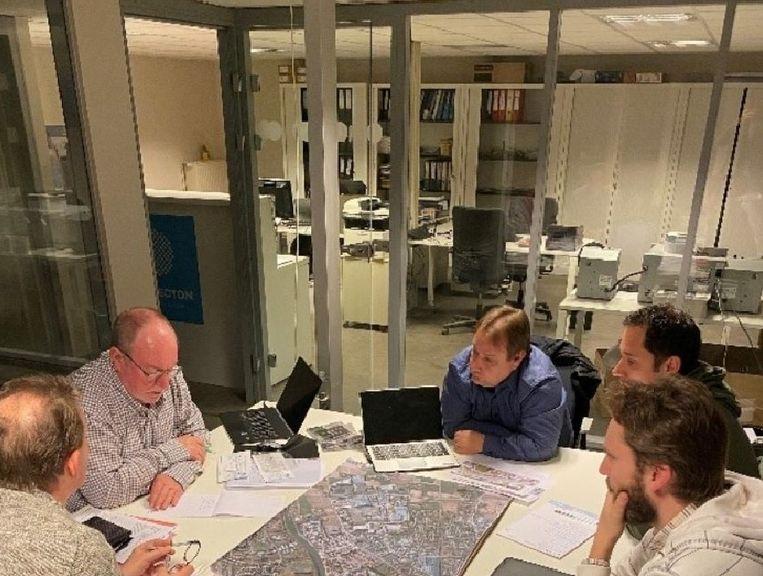 Het dagelijks bestuur van Platform Grensland in overleg met schepen Patrick Roose omtrent enkele pijnpunten.