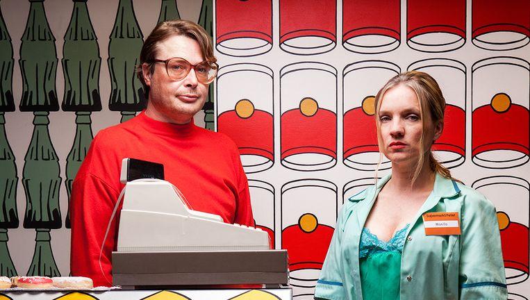 Vincent Linthorst en Anniek Pheifer in Liefde is een donut. Beeld Jorrit 't Hoen