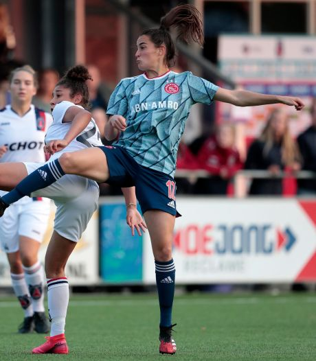 Ajax-voetbalster Caitlin Dijkstra 'extra trots' op wat ze al bereikt heeft