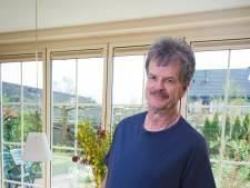 Zijn dikkebuikenshirts vliegen de deur uit, maar Amazon moet je niet te licht nemen, waarschuwt Jaap Krijgsman uit Apeldoorn