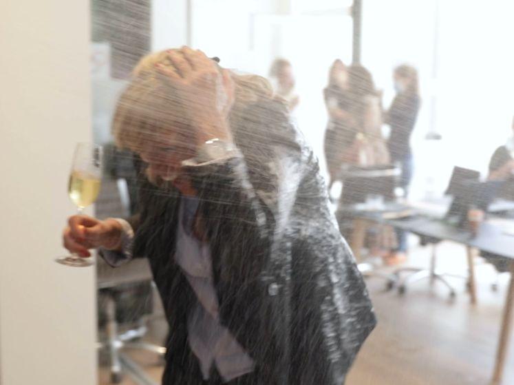 Binnenkijken bij Belgian Lion én notaris Nick Celis, waarna collega getrakteerd wordt op champagnedouche