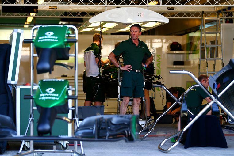 Caterham bouwt de garage op voor de GP van Abu Dhabi. Beeld getty