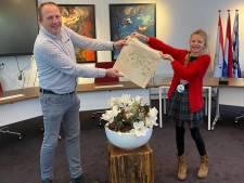 Kinderburgemeester Noord-Beveland maakt tasjes tegen de plastic soup
