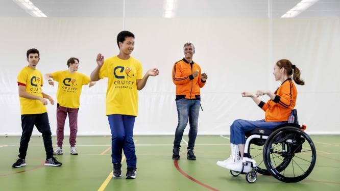 Frank Rijkaard bij voetbaltoernooi voor kids in Den Bosch