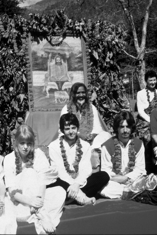 The Beatles bezoeken Maharishi Yoga in India (1968) Beeld null