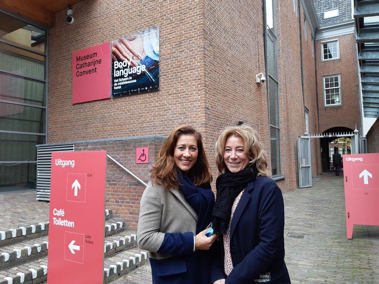 Petra de Kruijf-Brouwer en Lisette van Wijk-Brouwer. Beeld