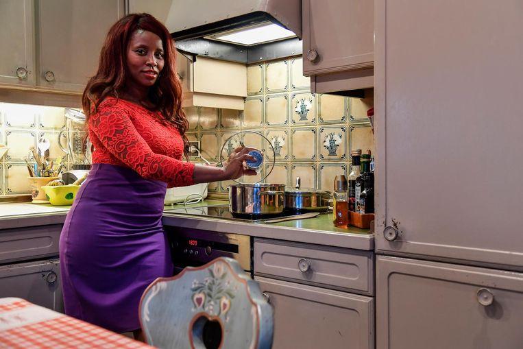 Arianet toont in het VIER-programma haar kookkunsten.