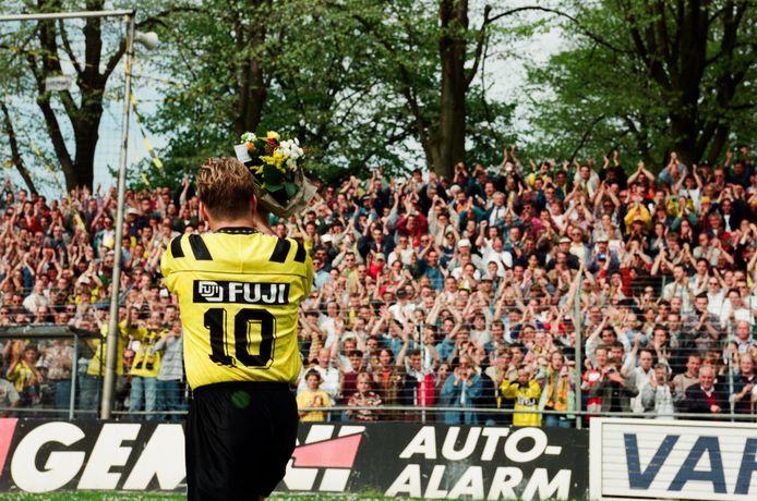 Ton Lokhoff bij zijn afscheid als voetballer, 1996