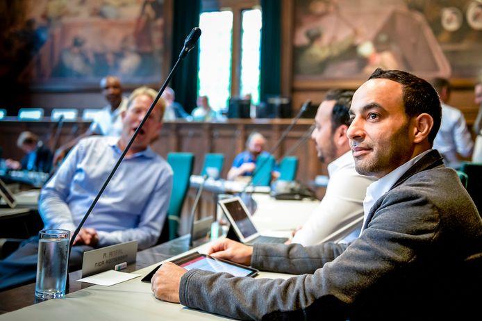 Raadslid Mo Anfal in Rotterdamse gemeenteraad.