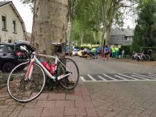 Wielrenners gewond bij valpartij in Beek