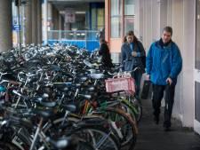 Meer fietsparkeerplekken in Utrecht zijn hard nodig, maar niet alleen de gemeente moet een steentje bijdragen