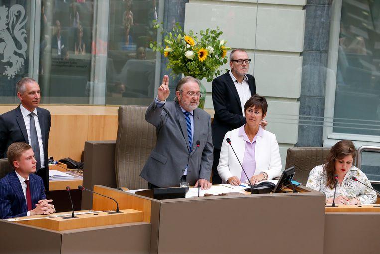 Herman De Croo (81) mocht door zijn anciënniteit de openingszitting van het Vlaams Parlement voorzitten.
