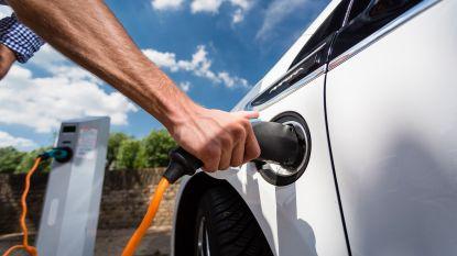 """Wordt het wasje draaien óf auto opladen? """"Massaal elektrisch rijden, dat kan ons stroomnet niet aan"""""""