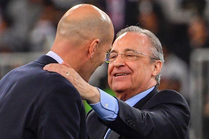 Real Madrid-voorzitter Florentino Perez (r) en trainer Zinédine Zidane.