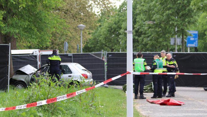 Politie op de Ookmeerweg.