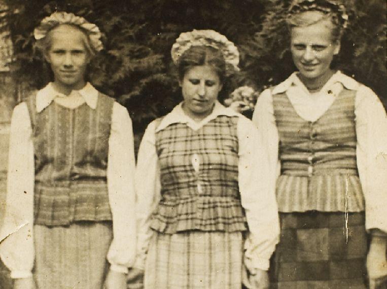 Waltraut Minnt (midden) in de jaren vijftig. Beeld