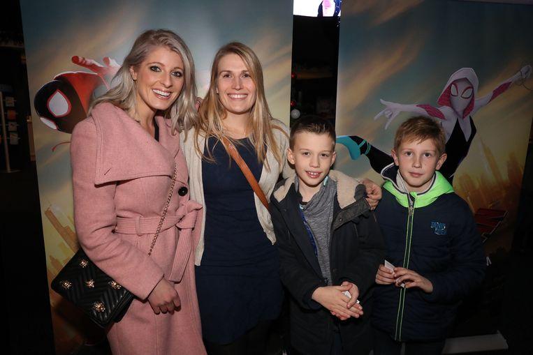 Noa Neal en beste vriendin Arianne en haar kids Ibe En Tijs.