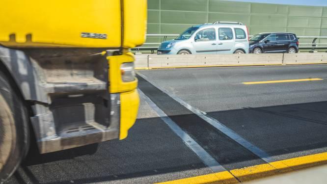 Vrouw gewond na aanrijding door vrachtwagen aan werken in Gentbrugge