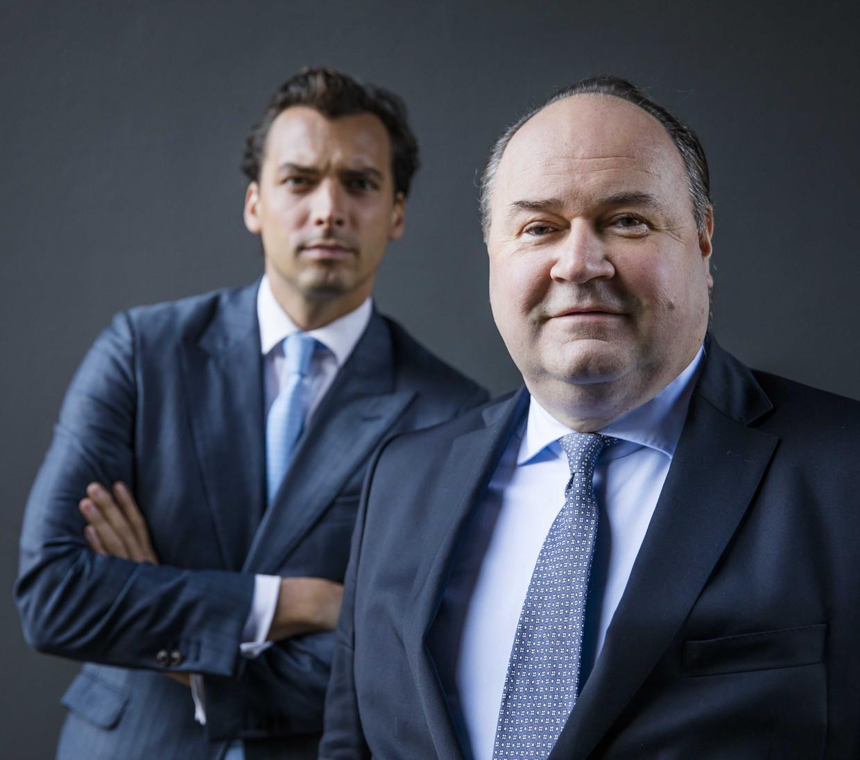 Door ruzie met Thierry Baudet (links) stapt Henk Otten (rechts) op als bestuurslid bij Forum voor Democratie.  Beeld ANP