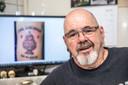 Gerrit ter Schuur van Gerrit's Tattoo Studio zette vijf jaar geleden gratis tattoo's van de KNVB-beker na de winst van PEC Zwolle.