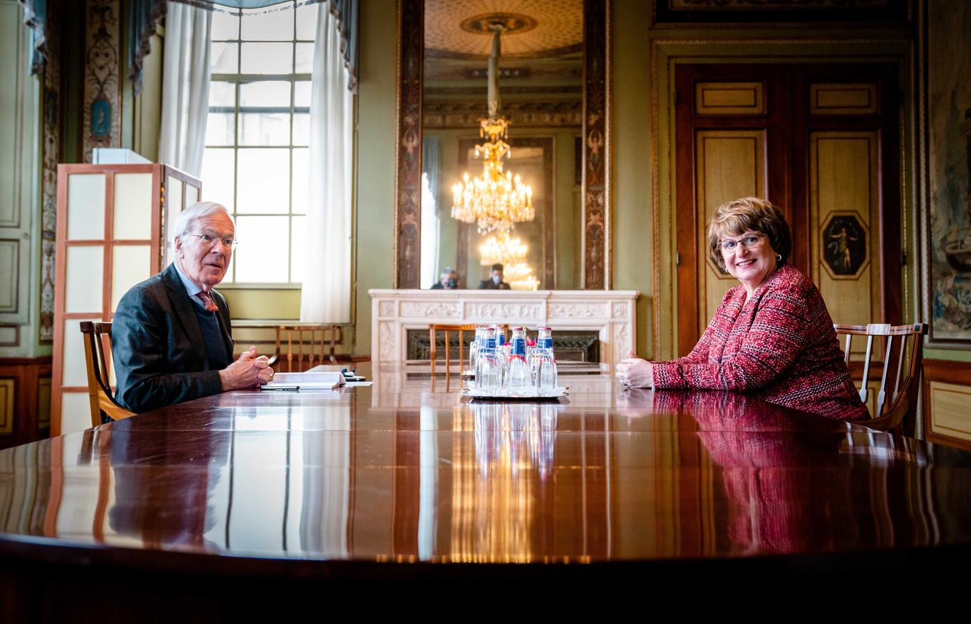 Informateur Herman Tjeenk Willink ontving Mariette Hamer eerder als voorzitter van de Sociaal Economische Raad (SER) voor advies voor diens verslag.