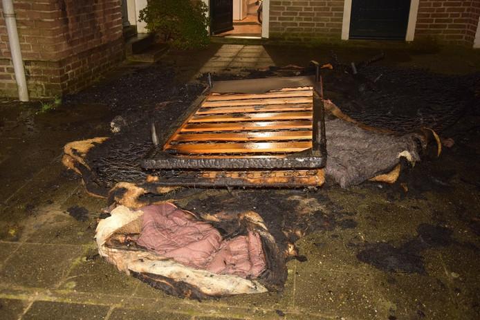 Gesneuveld bed en matrassen in Nijmegen.