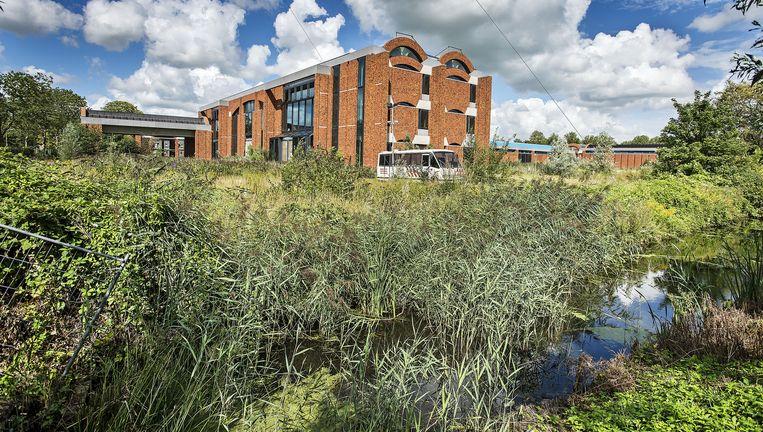 Het gebouw in Opmeer dat was bedoeld voor het Scheringa Museum voor Realisme. Beeld Guus Dubbelman/de Volkskrant