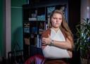 Verpleegkundige Lisa de Bruijn kan niet worden geholpen aan haar schouderprobleem