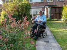 Harry uit Arnhem rijdt rond in levensgevaarlijke rolstoel: 'Ik heb al een auto geraakt'