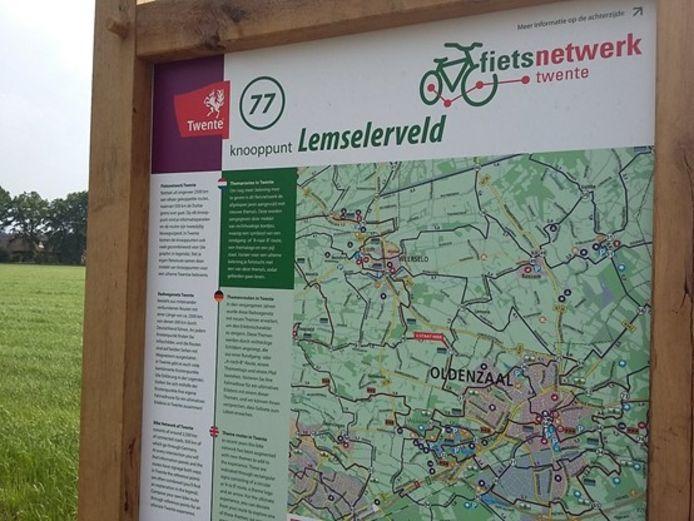 In Twente staat 607 panelen bij fietsknooppunten die de komende jaren allemaal worden vervangen.