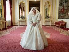 La première photo d'Emma Corrin dans la robe de mariée de Lady Di
