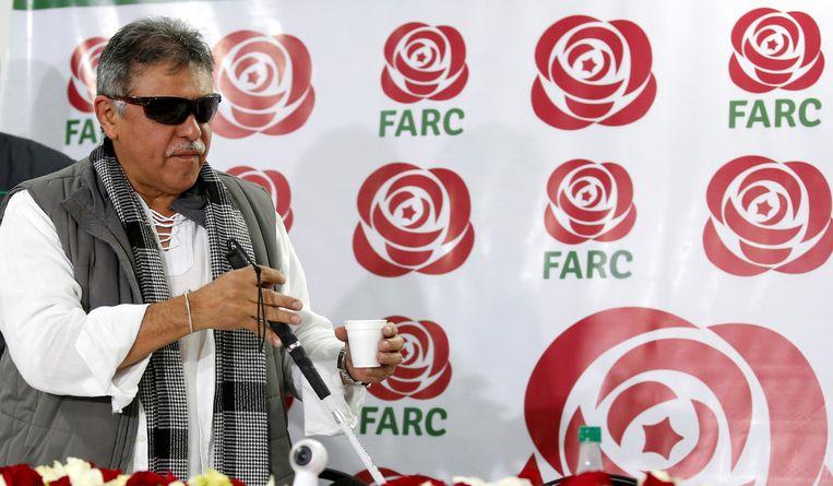 De omgekomen oud-Farc-leider Jesús Santrich op een persconferentie in de Colombiaanse hoofdstad Bogotá in 2017. Beeld REUTERS