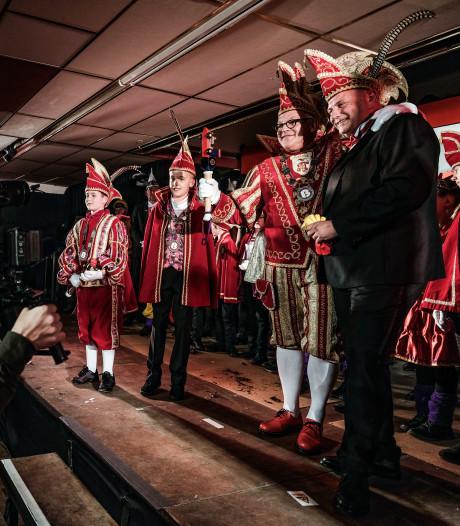 Boes en Poes aan de boemel tijdens omstreden verkleedfeest: 'Dat akkefietje zullen we niet vergeten'