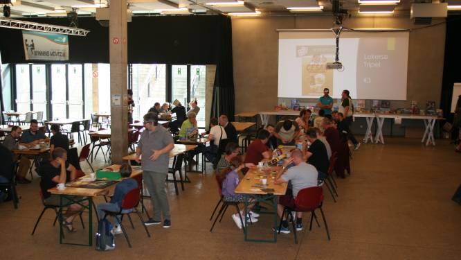 Bordspelfanaten verzamelen in sport- en jeugdcomplex