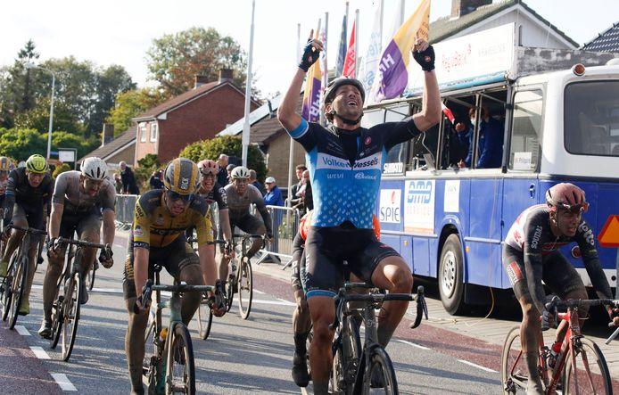 Coen Vermelftfoort vorig jaar, als winnaar van de Omloop van de Braakman.