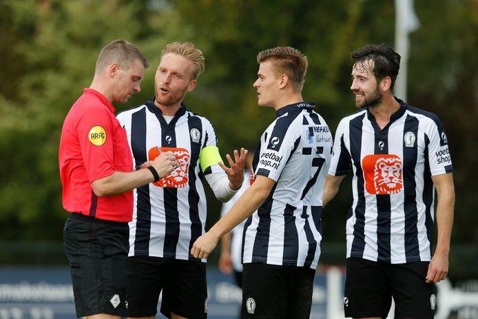Voor het Utrechtse Hercules is het afbreken van de competitie zuur. De zondagse derdedivisionist ging na vijf wedstrijden aan kop.