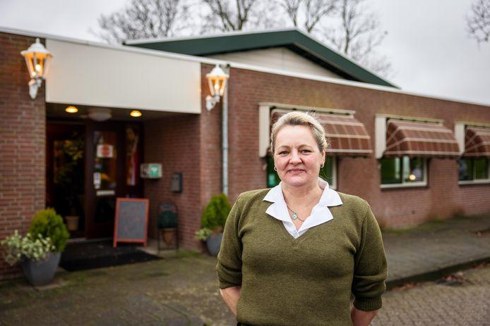Omdat er met de nieuwe pachter van De Skulpe, Maria Keuter, in verband met corona speciale afspraken zijn gemaakt over de huur, overweegt het stichtingsbestuur voor financiële steun aan te kloppen bij de gemeente.