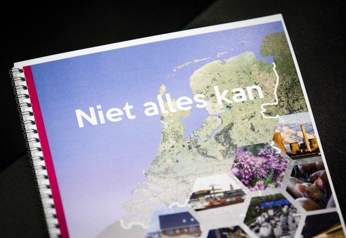 Het rapport met aanbevelingen van oud-minister en commissievoorzitter Johan Remkes hoe op korte termijn om te gaan met de stikstofproblematiek in Nederland.