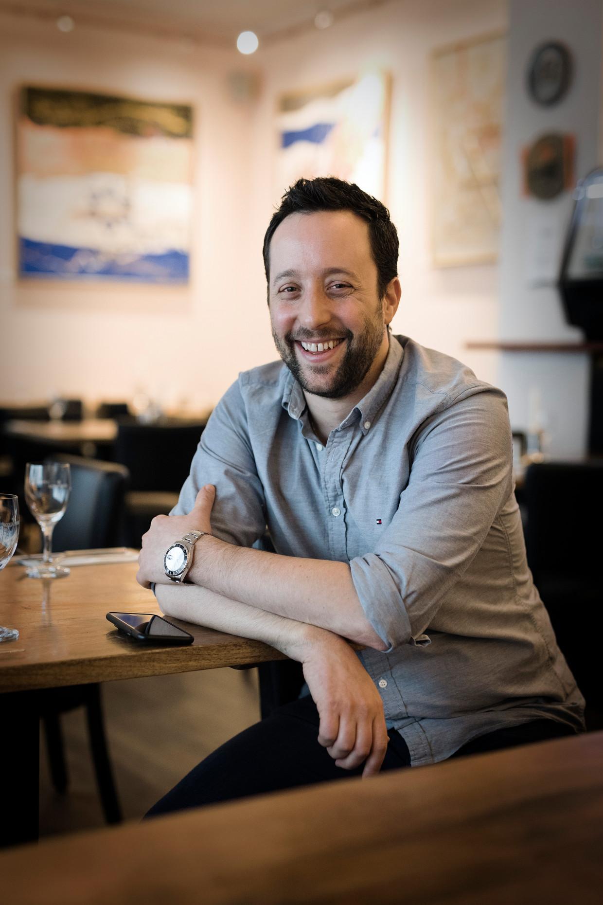 Yorai Feinberg in zijn restaurant in Berlijn.