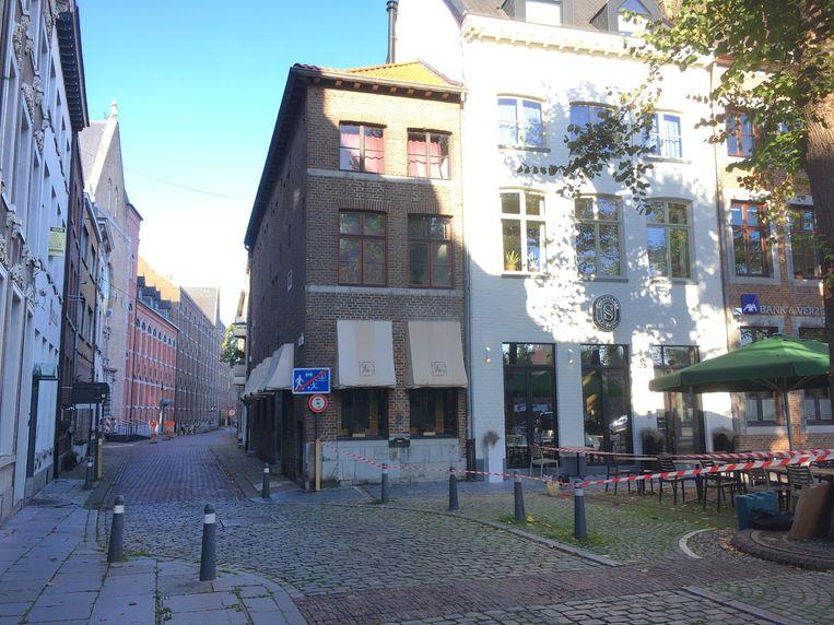 Het Bokkenrijdershuis op de hoek waar Pierre Renet tegenover woonde, én als kind door de gangen liep.