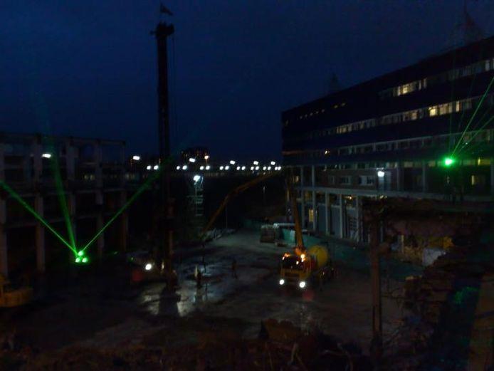 Hier komt het nieuwe 'Roosje'. Lasershow, politiebureau en NS-station. Foto: Jaap Bak.
