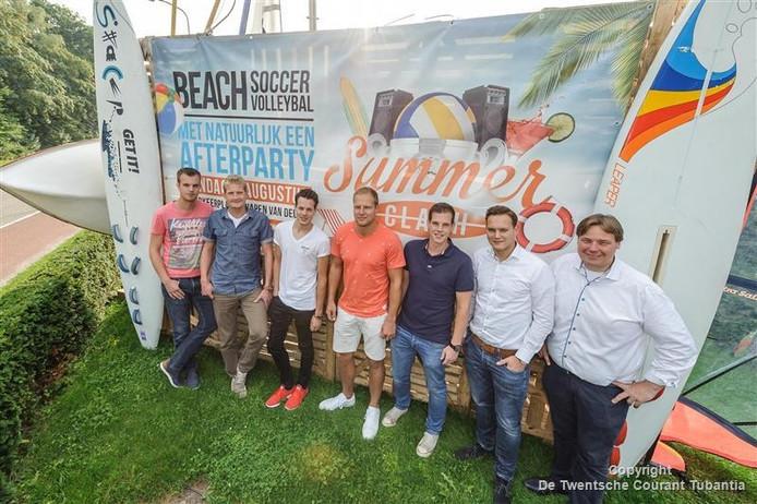 De organisatie: Daan Spanjer, Robert Kenkhuis, Roy Monteiro, Job Meirik, Jeron Kremers, Jurriaan Eekers en eigenaar Theo Poppe van het Wapen van Delden.