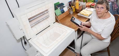 Yvonne (75) uit Holten zet haar glasoven te koop: 'Duitse handleiding beetje lastig'