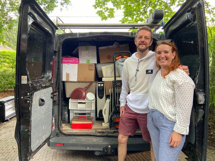 Ingrid en Gert hebben twee weken vakantie opgeofferd voor noodhulp in Wallonië. Ze organiseerden drie inzamelacties voor hulpgoederen