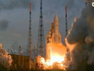 Bank stuurt satelliet de ruimte in