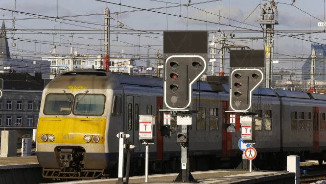 Vrouw belandt onder trein in Brussel-Zuid