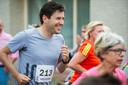 2017. Burgemeester Minses doet mee aan de Chaamloop op de 5 kilometer.