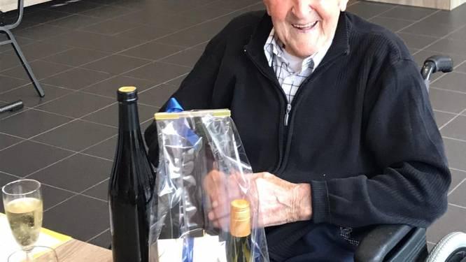 """Jaak Broekx (107) uit Beek is nu oudste man in België: """"Hij is altijd heel content geweest met de kleine dingen in het leven"""""""