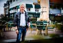 """Jan van der Hee, eigenaar van 'de Heeren', op zijn terras in Oud-Beijerland. ,,We zijn blij dat we wat mogen doen."""""""